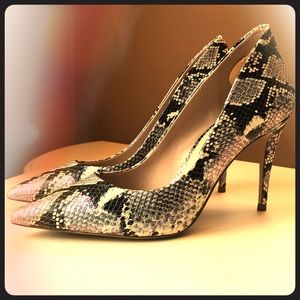 Aldo snakeskin high heel like new 8.5